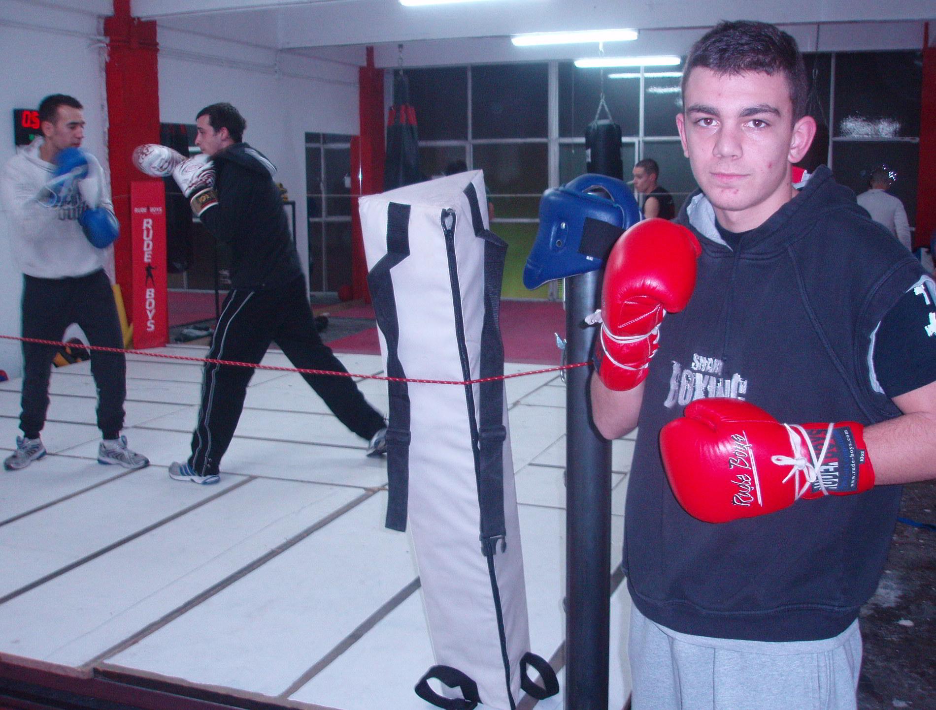 Boxeo, Bilbao: Jon Fernádez en un entrenamiento