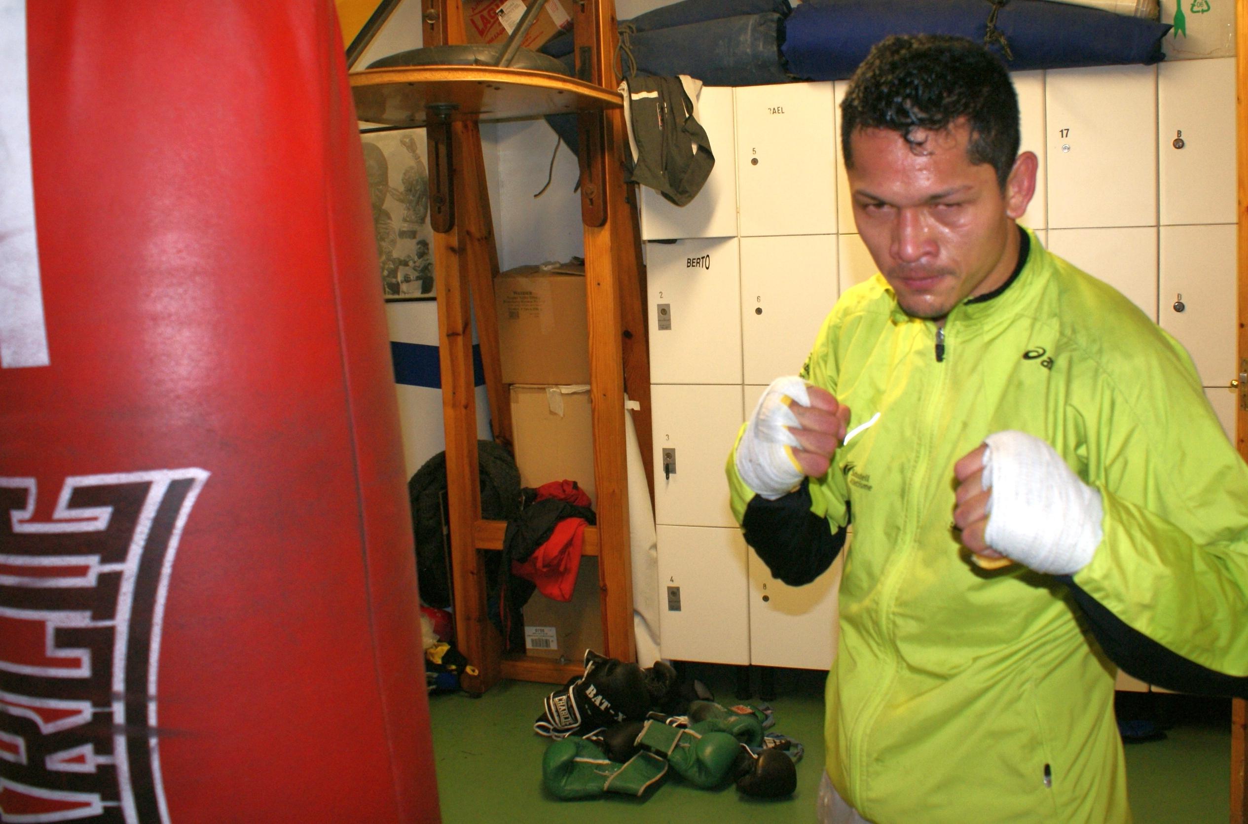 El boxeador nicaragüense Reynaldo Cajina durante un entrenamiento en Vitoria Gasteiz