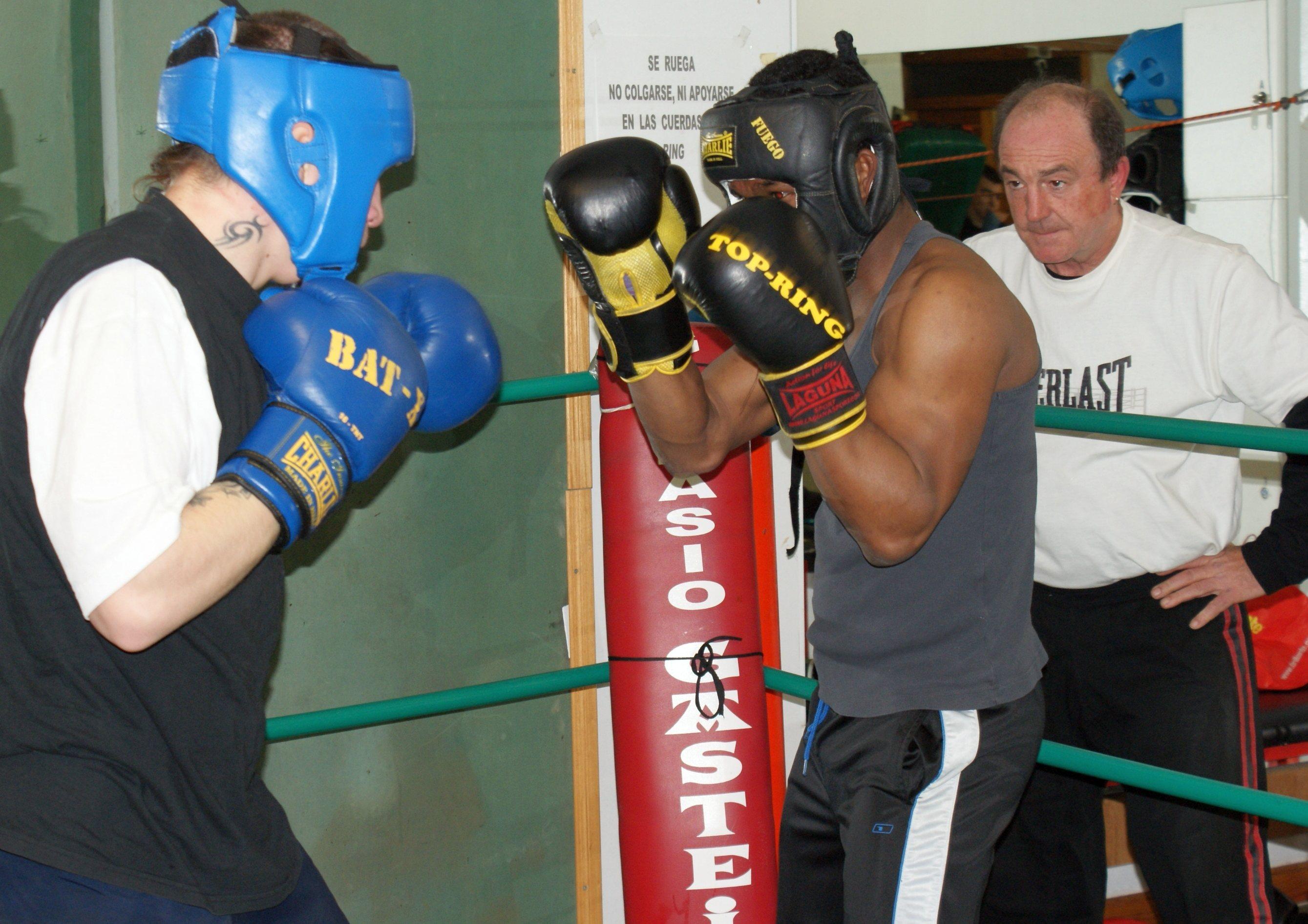Boxeo, Vitoria: Nacho Mendoza entrena en Gasteiz Sport con Kerman Lejarraga ante Celaya
