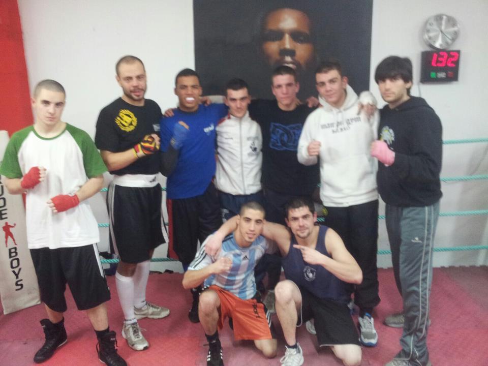Boxeadores del Club Escuela Anoeta y del MampoGym de Bilbao tras un entrenamiento conjunto