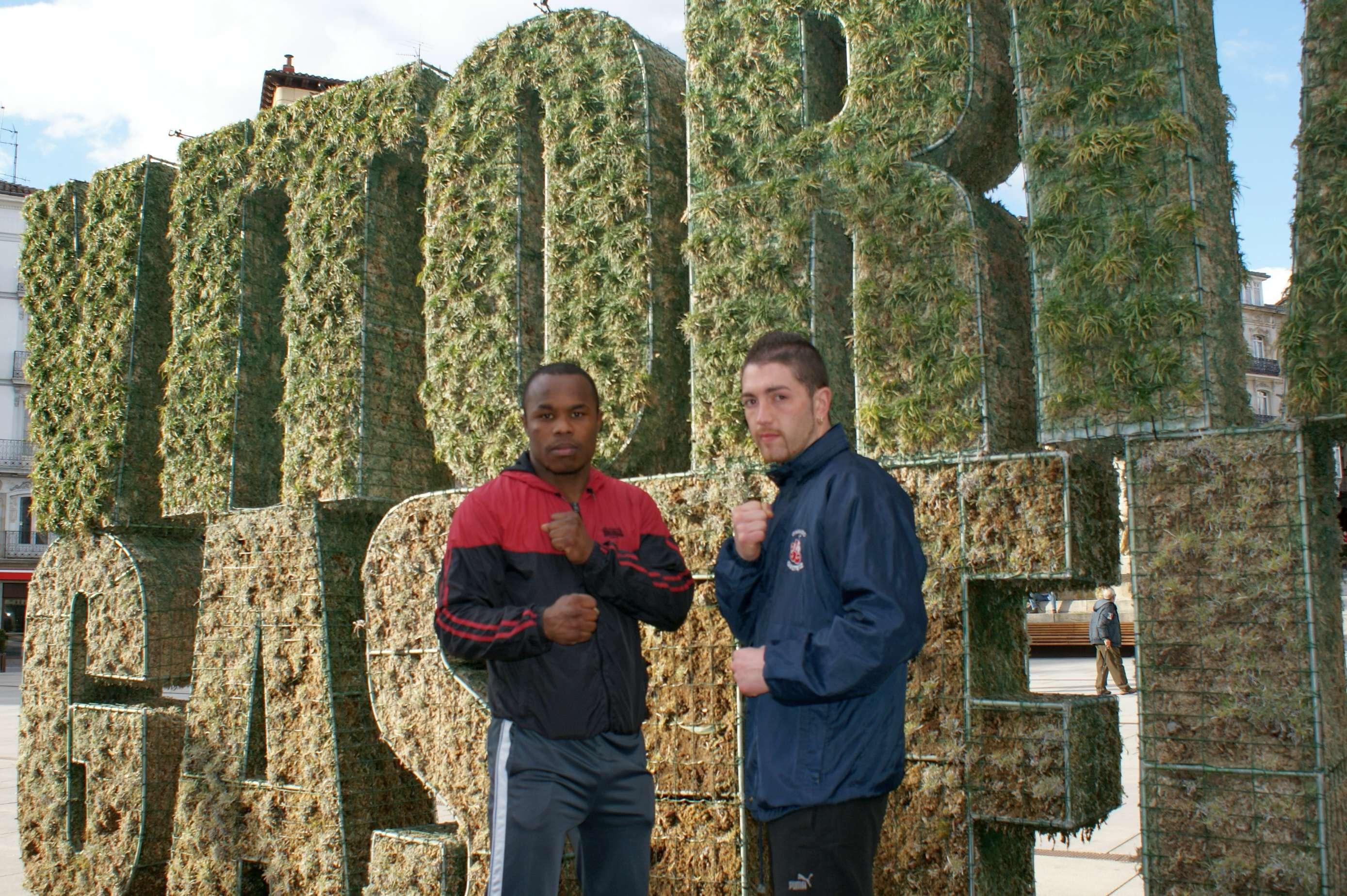 Nacho Mendoza y Andoni Alonso, dos grandes profesionales del boxeo que viven en Vitoria-Gasteiz y que se subirán al ring en la velada del próximo 20 de abril en Mendizorrotza