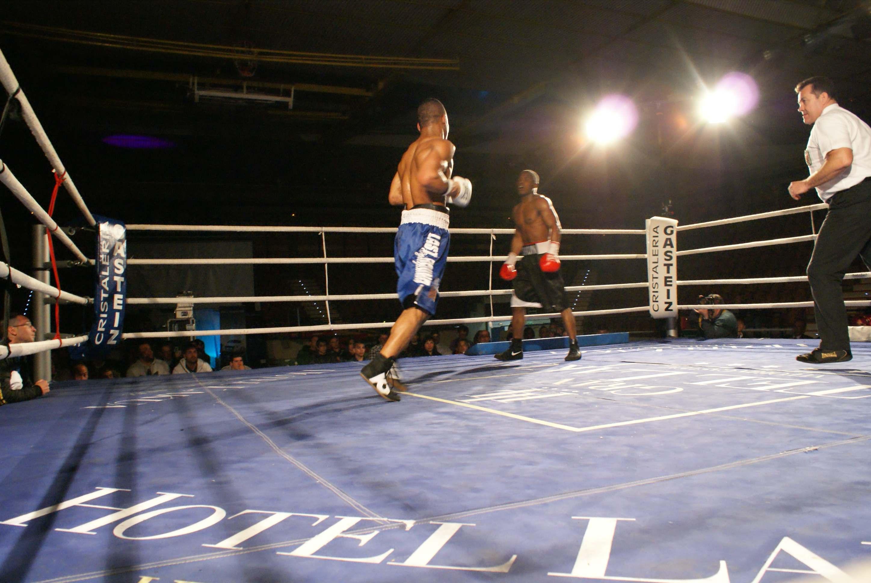 Nacho Mendoza y Alex Bone, boxeo en Vitoria-Gasteiz