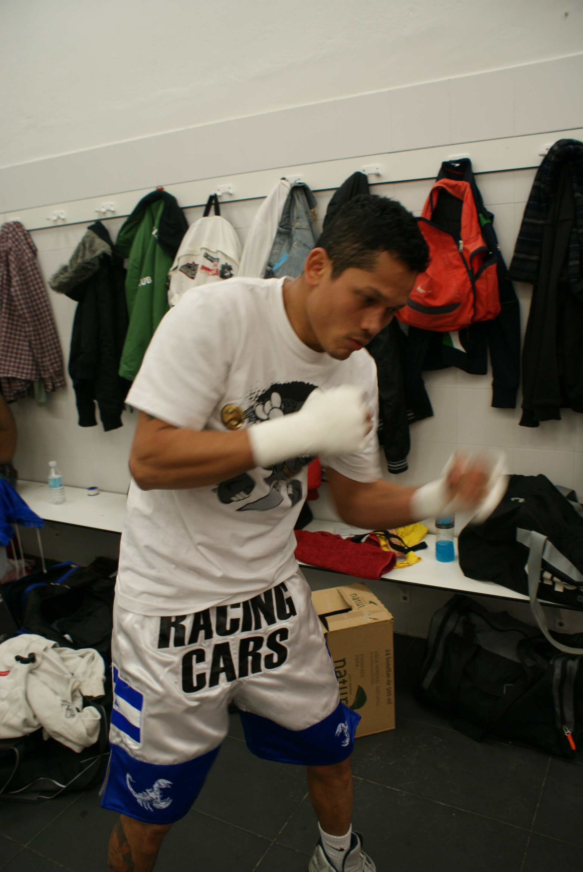 El Flaco Cajina, boxeador nicaragüense residente en Vitoria, supergallo, Bilbao
