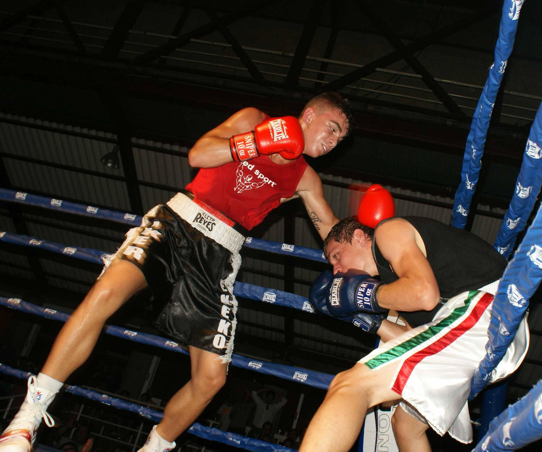 Boxeo: El subcampeón de España del welter ligero, el bilbaíno Jon Fernández, impuso su ritmo y combinaciones en Ordizia