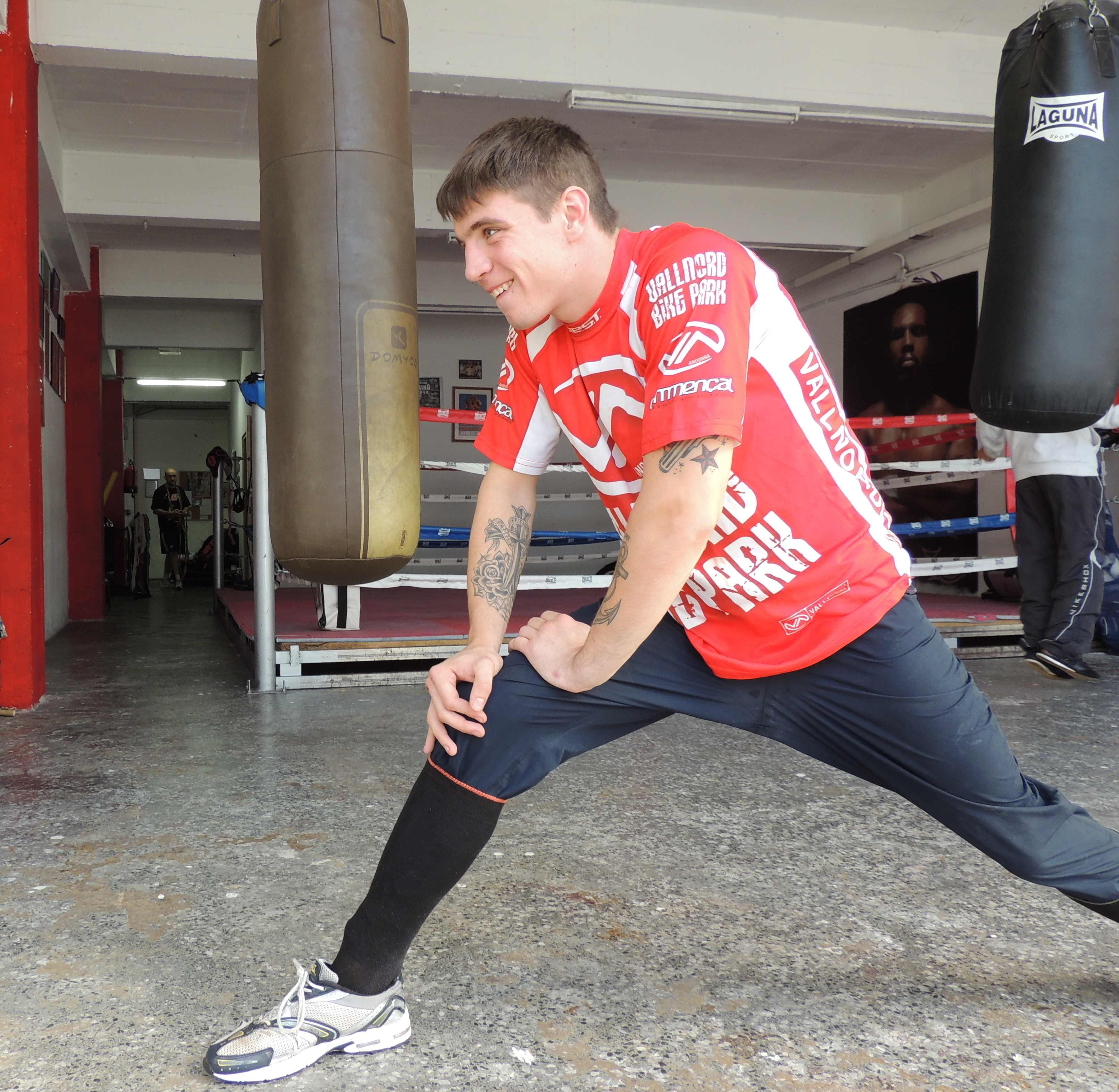 Kerman Lejarraga, joven boxeador profesional de Morga (Bizkaia), retorna a entrenamientos tras lesión