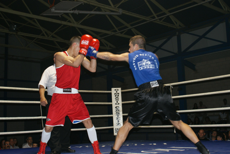 Los boxeadores Ibon Larrinaga y Alex Tacuri en Miranda de Ebro