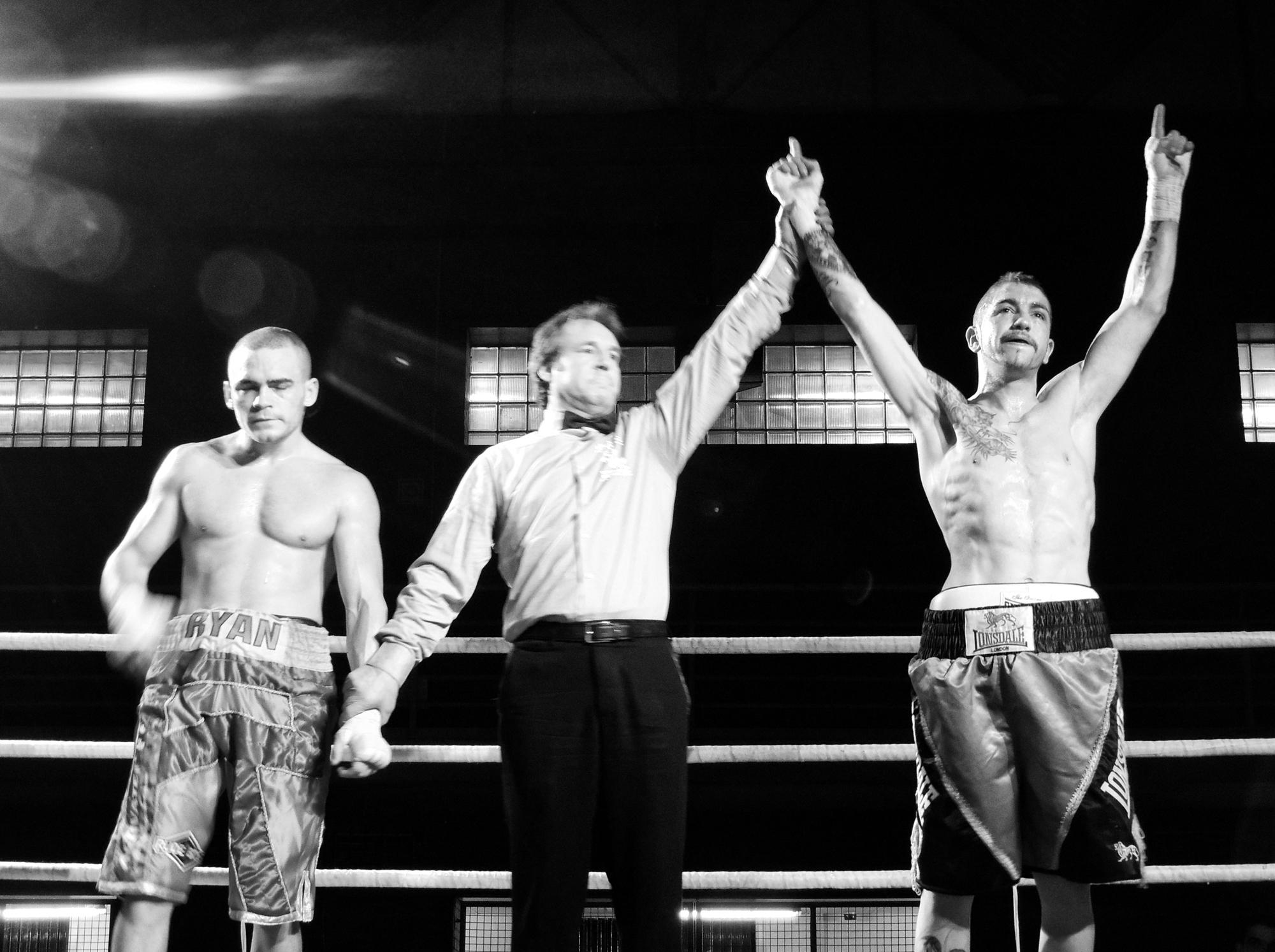 Boxeo en Vitoria Gasteiz: victoria de Andoni Alonso