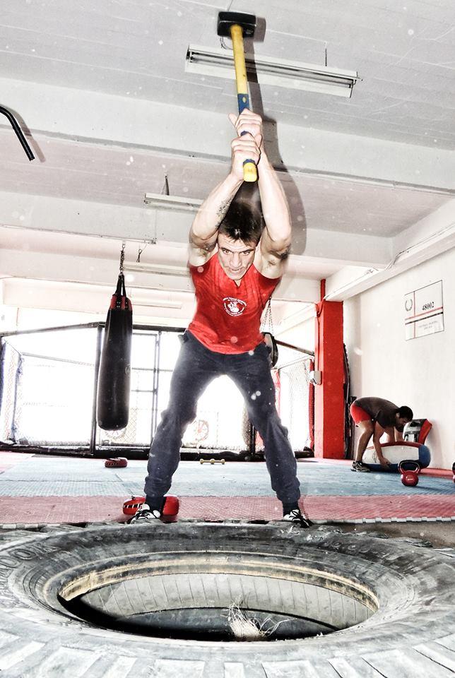 El boxeador de Morga, Kerman Lejarraga, entrenando