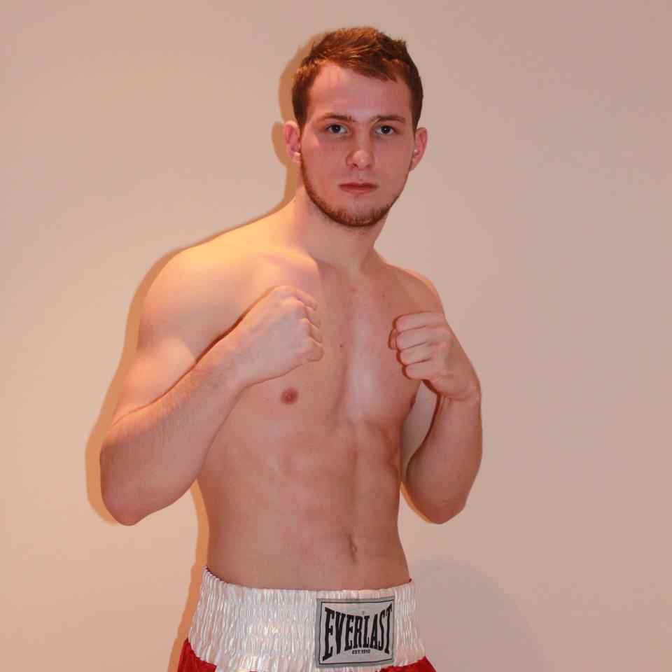 Artem Sukhanov, un excelente boxeador que apretará a Sissokhó