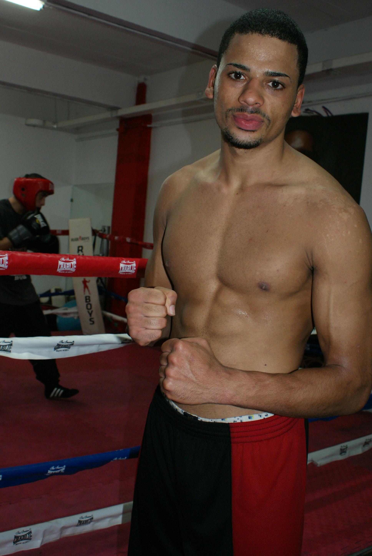 Boxeo: Ivan Seidi, de la Escuela Anoeta, campeón de Gipuzkoa del peso medio.