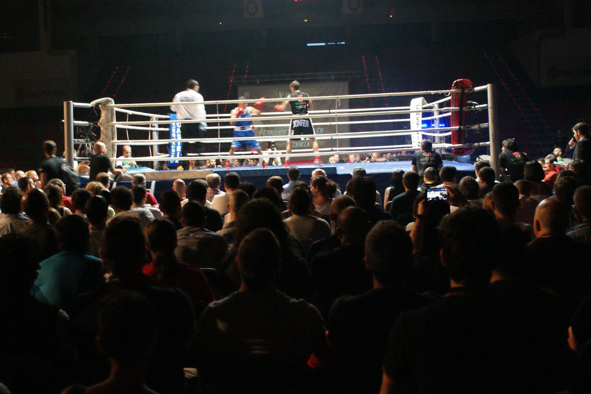 Gullén y Jon Fernández levantaron la primera gran ovación del numeroso público.