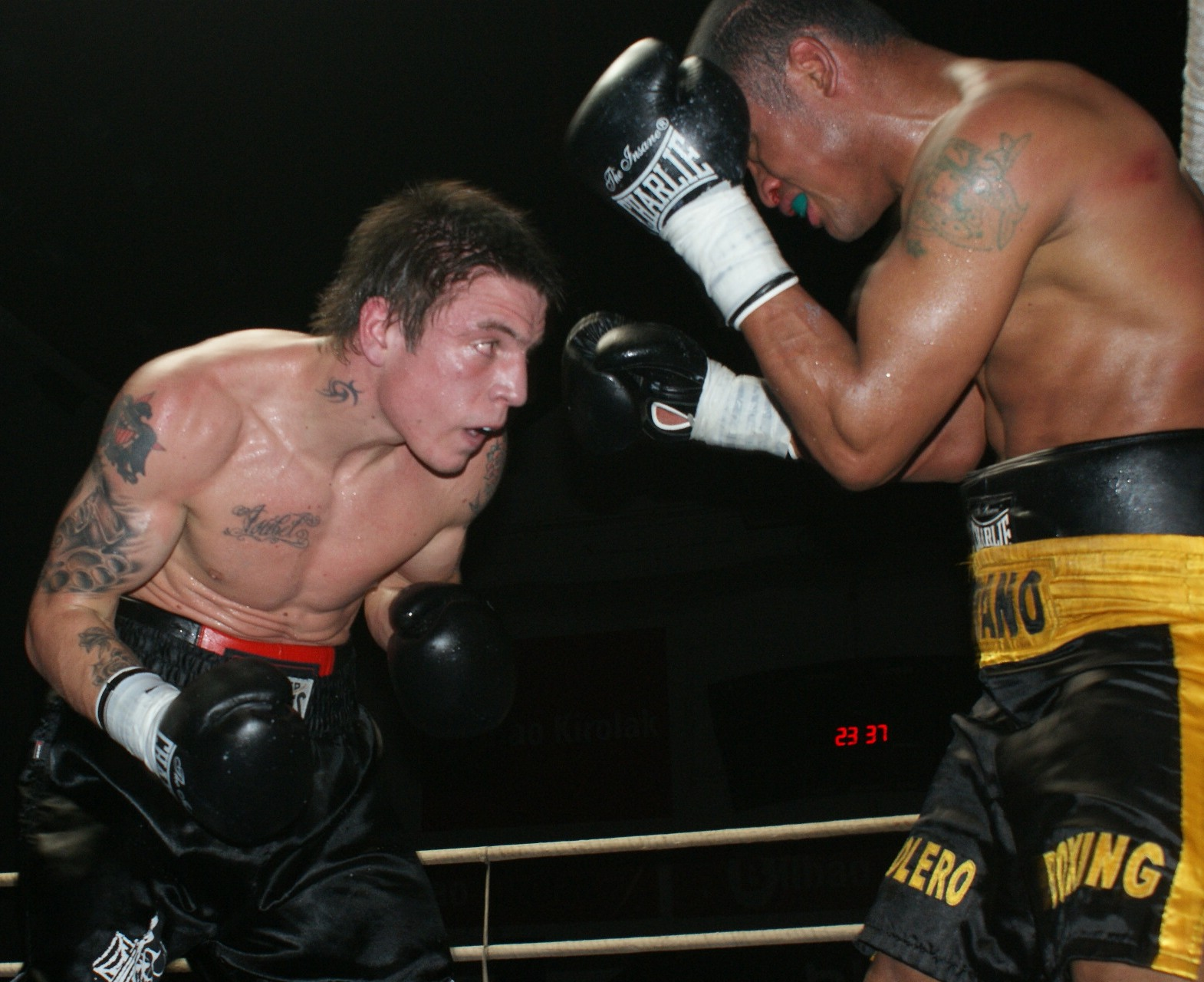 Lejarraga acumula ya 6 victorias en otros tantos combates, cuatro antes del límite.