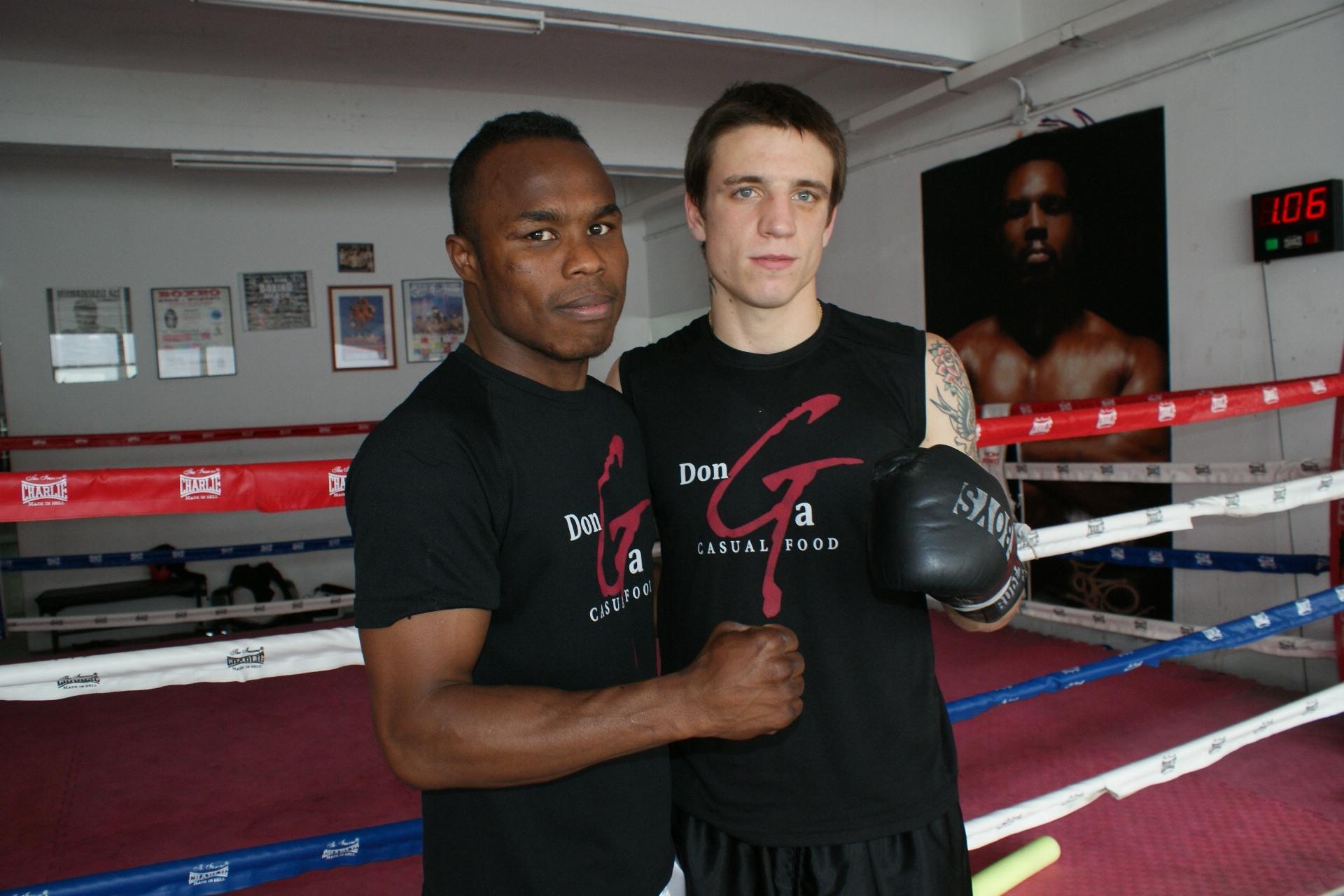Los boxeadores profesionales Nacho Mendoza y Kerman Lejarraga