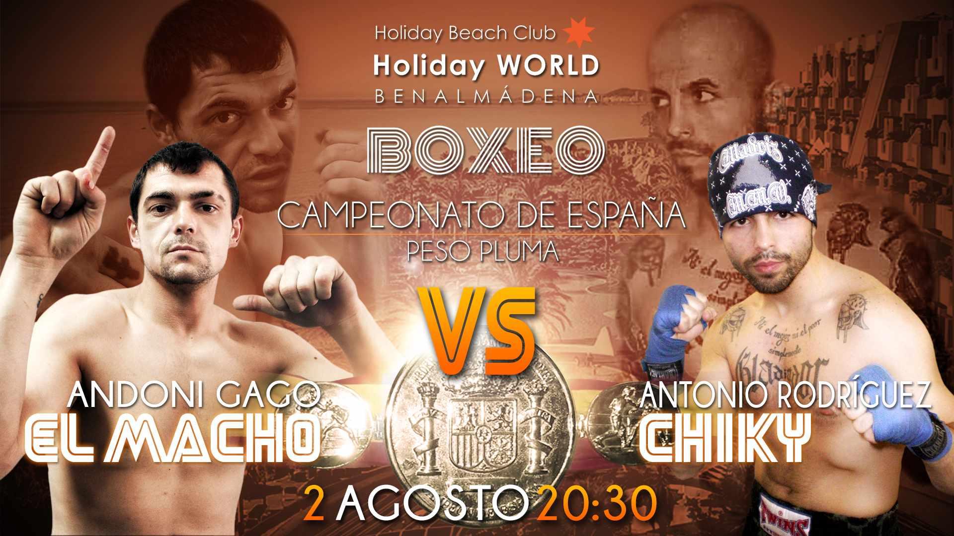 Los boxeadores Andoni Gago y Antonio Rodríguez disputan el campeonato español del peso pluma el 2 de agosto en Holiday World Hoteles de Benalmadena el 2 de agosto de 2014