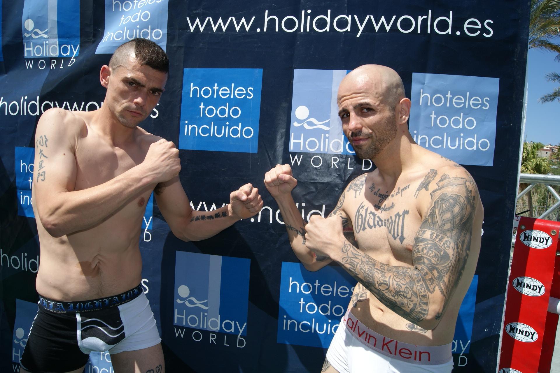 """pesaje boxeo profesional Holiday World Benalmádena para campeonato de España del peso pluma entre Andoni Gago y Antonio Rodríguez """"Chiky"""""""