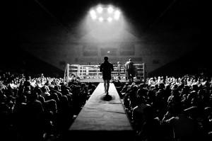 Ambiente de boxeo en La Casilla en una de las veladas organizadas recientemente por EuskoBox (Foto: Iñaki Mendizabal).