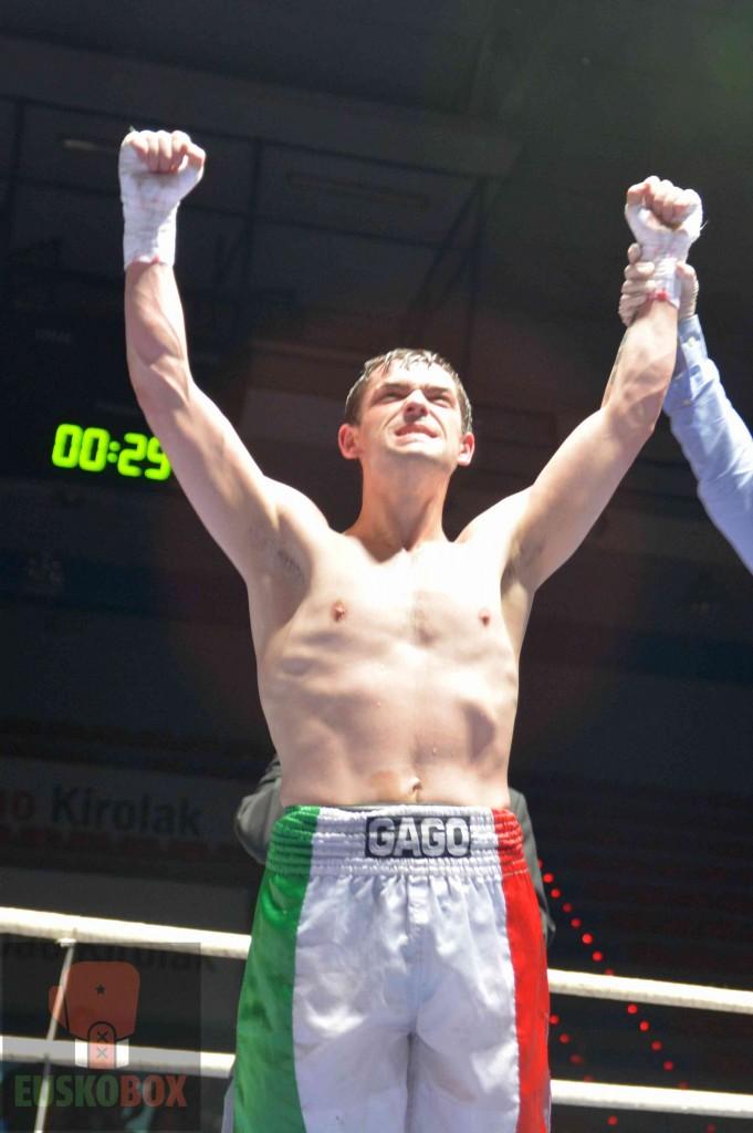 Boxeo: El boxeador profesional Andoni Gago es proclamado vencedor tras un combate