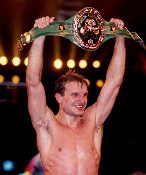 Boxeo profesional: Javier Castillejo ha sido 8 veces campeón del mundo en dos pesos distintos, además de camepeón de España y Europa