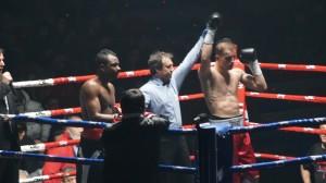 Boxeo profesional: Artem Sukhanov se impuso por puntos a Jair Ramírez.