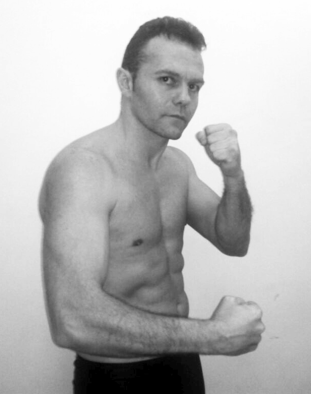 Boxeo profesional: Juan Alberto Martín, hermano mayor de Andoni Gago, en forma a sus casi 41 años.