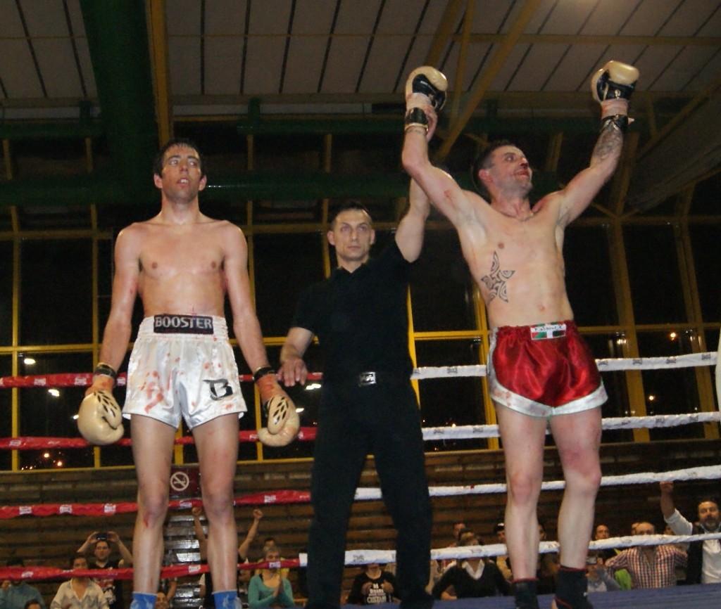 El astrabuduarra López de Lacalle se impuso a los puntos a un gran Marcelo González tras cinco encarnizados asaltos que decidieron al campeón de España de K1 profesional WAKO en los 66,7 kilos
