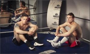 Los boxeadores profesionales: Denis, a la izquierda y Artem Sukhanov