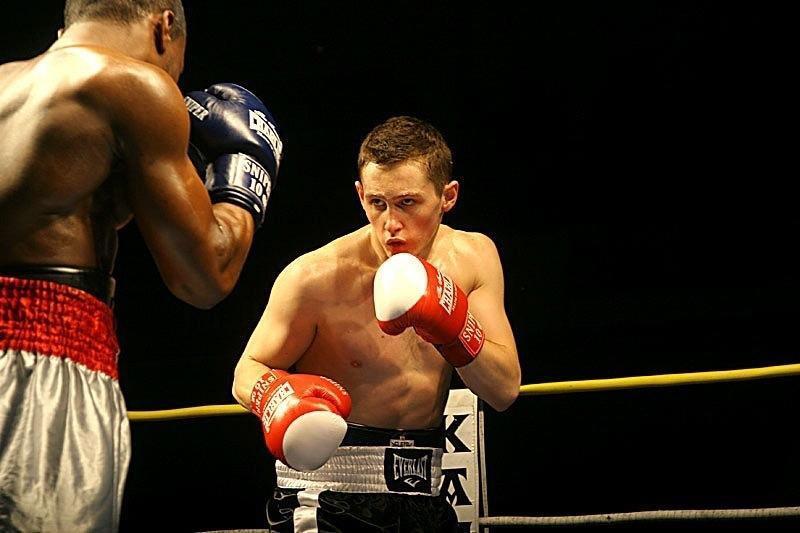 El boxeador profesional Denis Sukhanov