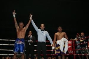 Boxeo profesional: Micha vence a Edwin Téllez por decisión unánime