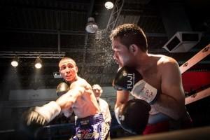 El boxeador profesional Micha permanece invicto