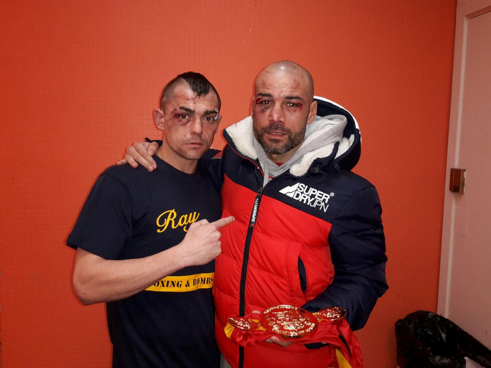 Andoni Gago y Sergio Blanco tras el combate.