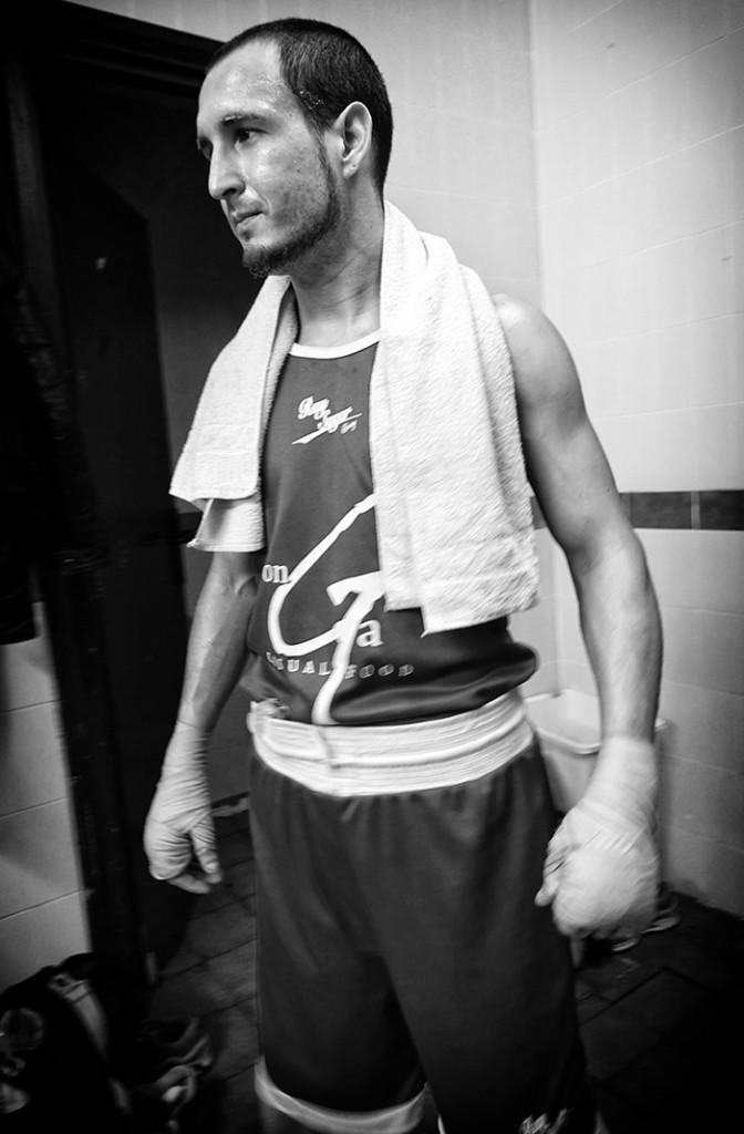 Sebastian Portunato en el vestuario antes de un combate (FOTO: Iñaki Mendizabal)