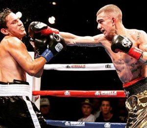 El boxeador de Bilbao Jon fernández ataca a mexicano naciff Castillo en Conneticut