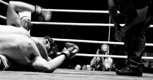 El fotógrafo de boxeo Abraham, Domínguez en plena faena
