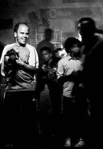 El fotógrafo de boxeo Abraham Domínguez en una velada celebrada en Bilbao