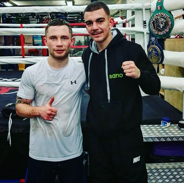 Jon Fernández junto al campeón del mundo del pluma WBA, el invicto Carl Framton (23-0-0), tras su primera sesión de sparring.
