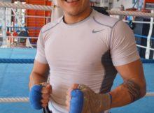 El invicto zurdo Carlos Ramos se desplazó a Bilbao a trabajar con Jon Fernández en la preparación del combate ante Garza del viernes.