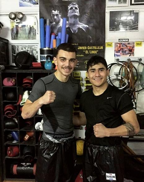 Jon Fernández y el zurdo Carlos Ramos en el gimnasio BilboBoxing tras el entrenamiento.