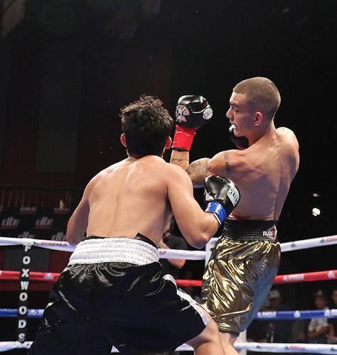 Boxeo: Jon Fernández ataca en Naciff Castillo