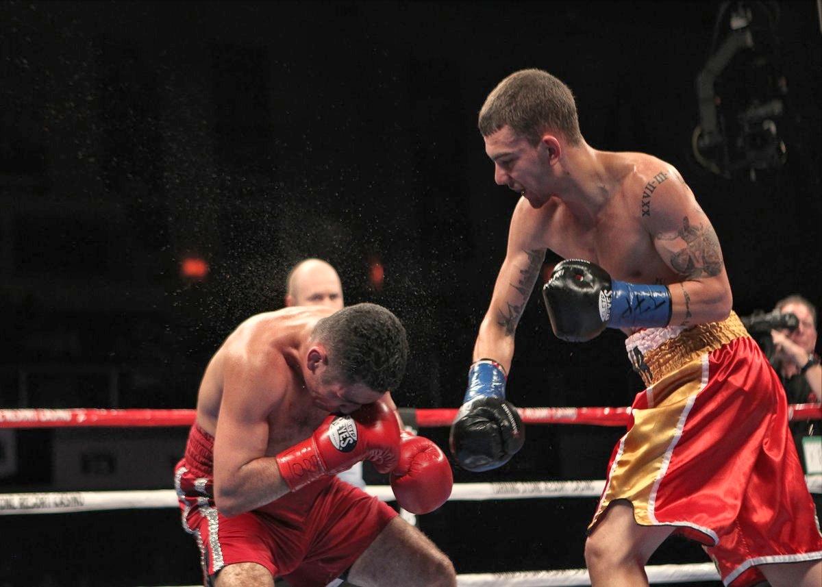 Boxeo, momento definitivo del Jon Fernández vs Juan Reyes