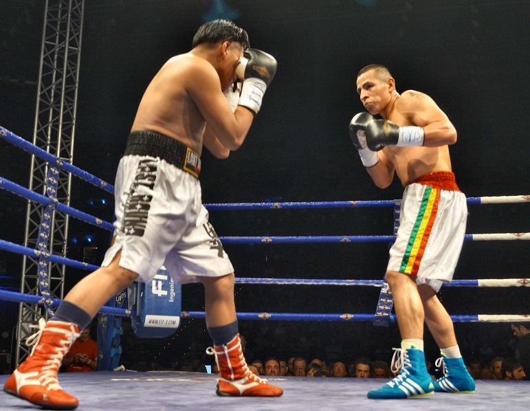 El boxeador Ricardo Fernández en su debut profesional en Bilbao