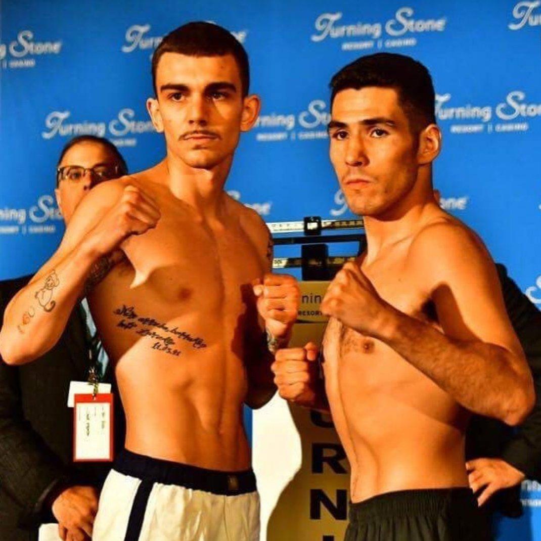 Jon Fernández y Juan Reyes durante el pesaje en el Turning Stone Casino de Verona (Nueva York) el pasado 9 de junio.