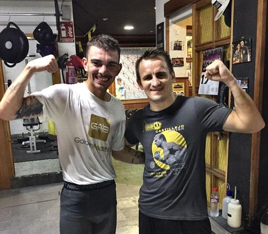 El campeón de España del superpluma y el excelente boxeador ruso, que ha disputado el mundial del ligero, satisfechos tras la sesión de sparring de ayer viernes 22 de septiembre.