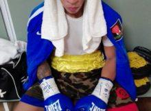 El joven boxeador mirandés en el vestuario del Martín Carpena de Málaga instantes antes de salir al ring.