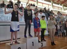 Zuriñe, en el podio con su medalla